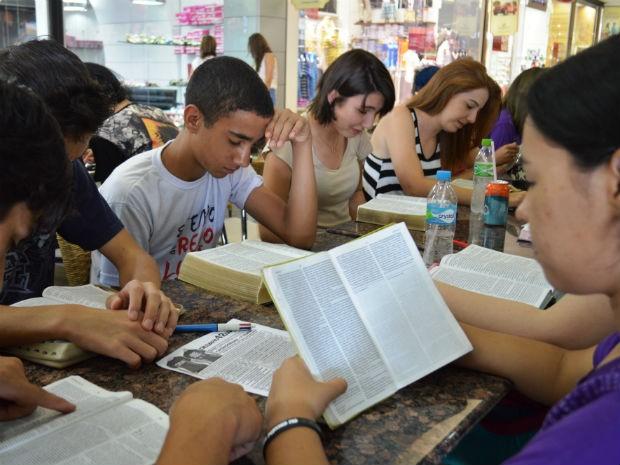Comunidade Católica Santos Anjos » Importância Do Jovem